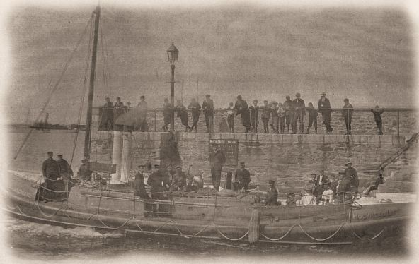 holyhead_rnli_crew_recreate_historic_photo_to_commemorate_coxswains_retirement2